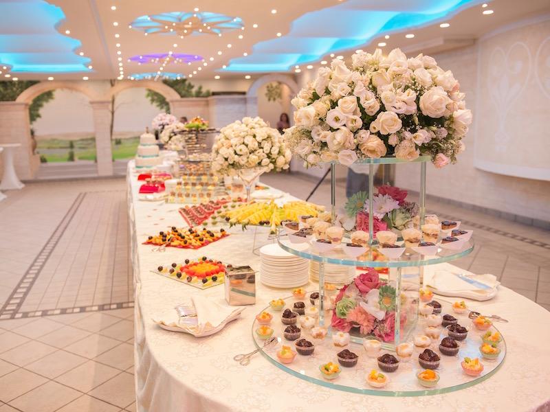 Buffet Di Dolci E Frutta : Trionfo di colori ecco il nostro allegro buffet di dolci e